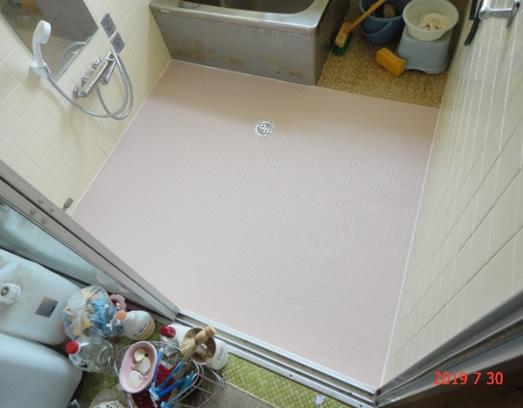 3.滑りの防止、移動の円滑化などのための床材の変更 02